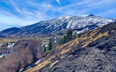 Piste da sci chiuse – Il più caldo inverno di sempre sull'Etna
