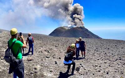 Is it possible to climb Mount Etna 3300 mt?