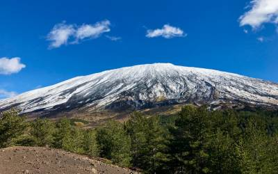 Up to what altitude is it possible to climb Mount Etna? Ordinance of the Municipality of Bronte